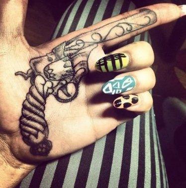 29-gun-tattoo.jpg